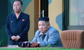 弾道ミサイル発射