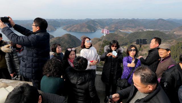 「脱韓国」支援