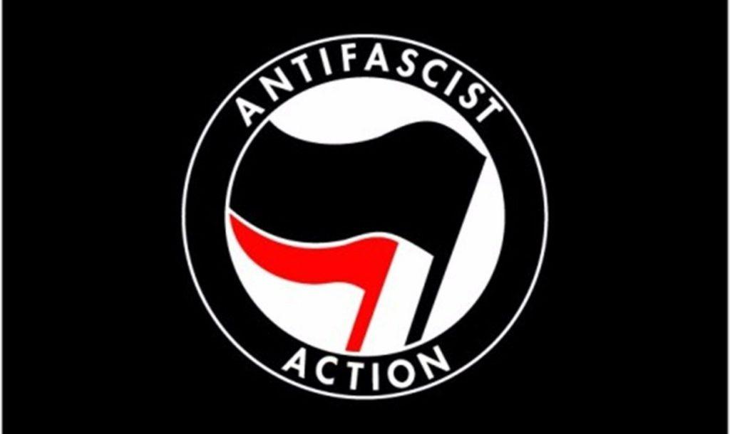 ANTIFAの旗
