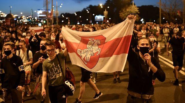 ベラルーシで反政府デモ