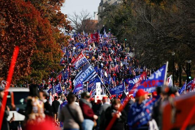 トランプ派、選挙不正訴え首都で大集会